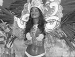 No mesmo ano, desfila pela primeira vez como madrinha de bateria da Imperatriz Leopoldinense