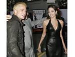 Com o agora marido Brad Pitt no lançamento de