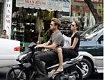 Passeando de moto com Brad Pitt no Vietnã
