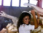 Atriz Juliana Paes durante visita a escola de Samba Viradouro, quando era rainha de bateria