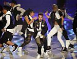 Justin Bieber se apresenta na versão alemã do reality show