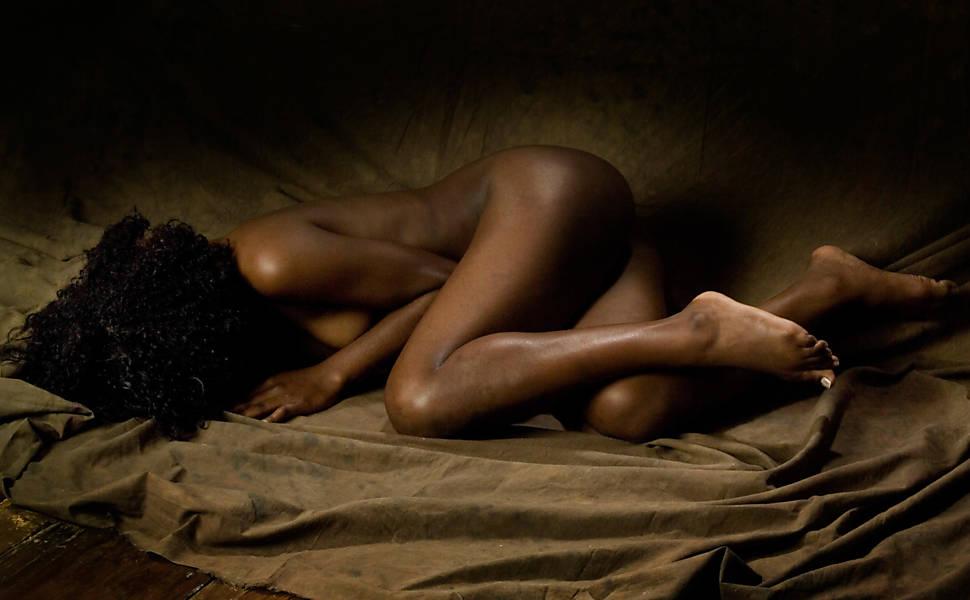 Jovencita Negra Se Desnuda Y Se Maaturba - Porno