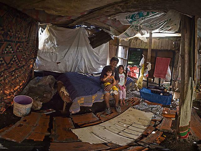 Fotógrafo lança olhar sobre pobreza