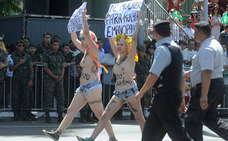 Ativistas do Femen protestam em Brasília