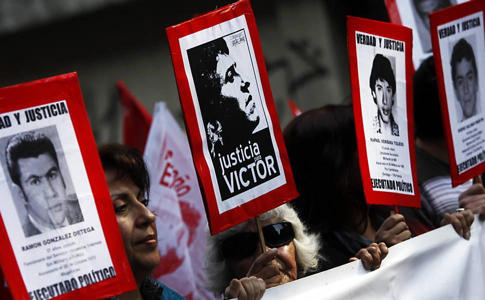 Marcha em memória às vítimas da ditadura