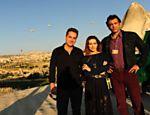 Cleo Pires com Alexandre Nero e Domingos Montagner, que viverão Stenio e Zyah