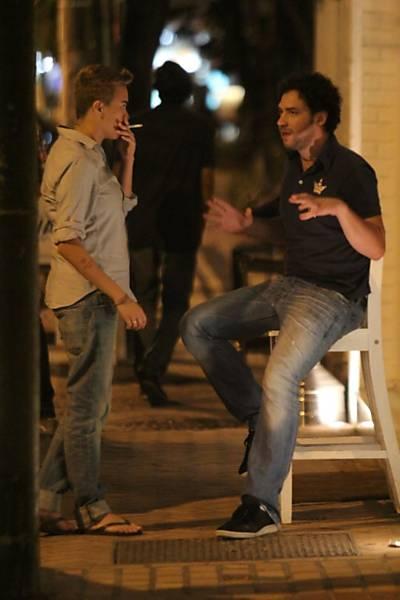Celebridades fumando