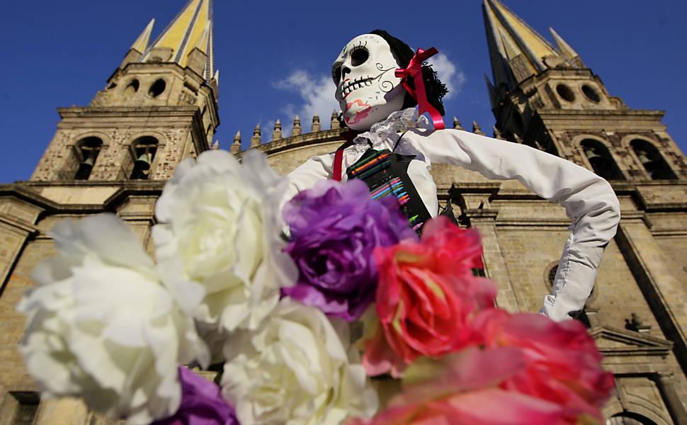 Mexicanos celebram o Dia dos Mortos