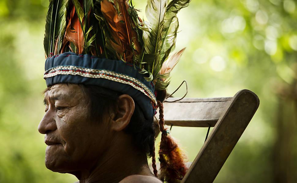 Guaranis-caiov�s vivem em confinamento em MS