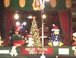 Palco montado na avenida Paulista para comemoração de Natal, em São Paulo <a href=
