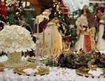 Decoração de Natal com arranjos em origami no Shopping Lar Center, em São Paulo <a href=