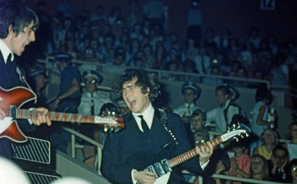 Fotos raras dos Beatles vão a leilão na Inglaterra