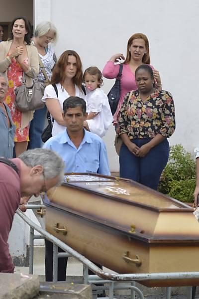 Velório e enterro da atriz Lidia Mattos