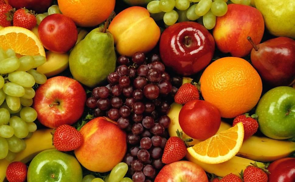 """6.CORTE ALIMENTOS INDUSTRIALIZADOS E AÇÚCAR REFINADO:  """"A maioria das comidas processadas são saturadas de carboidratos. o melhor é esquecê-las"""", diz ele."""