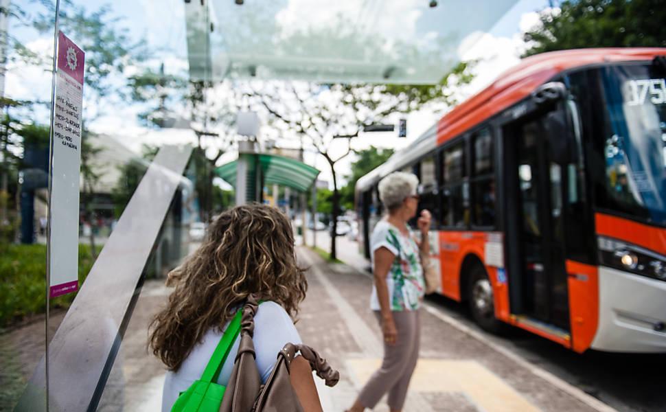 Novos pontos de ônibus em SP