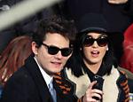 John Mayer e Katy Perry durante evento em Washington, nos Estados Unidos
