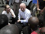 Angelina Jolie visita acampamento na República Democrática Congo