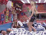 Alterada, Fernanda brinca com Nasser