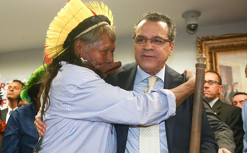 Índios discutem demarcação de terras na Câmara