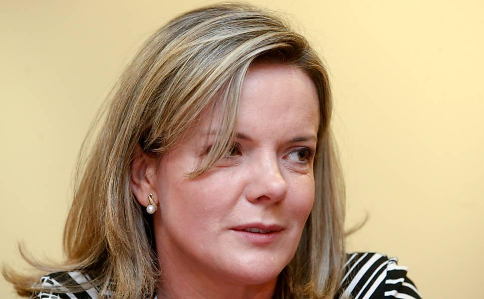 Ministra Gleisi Hoffmann no Palácio do Planalto durante entrevista para a Folha