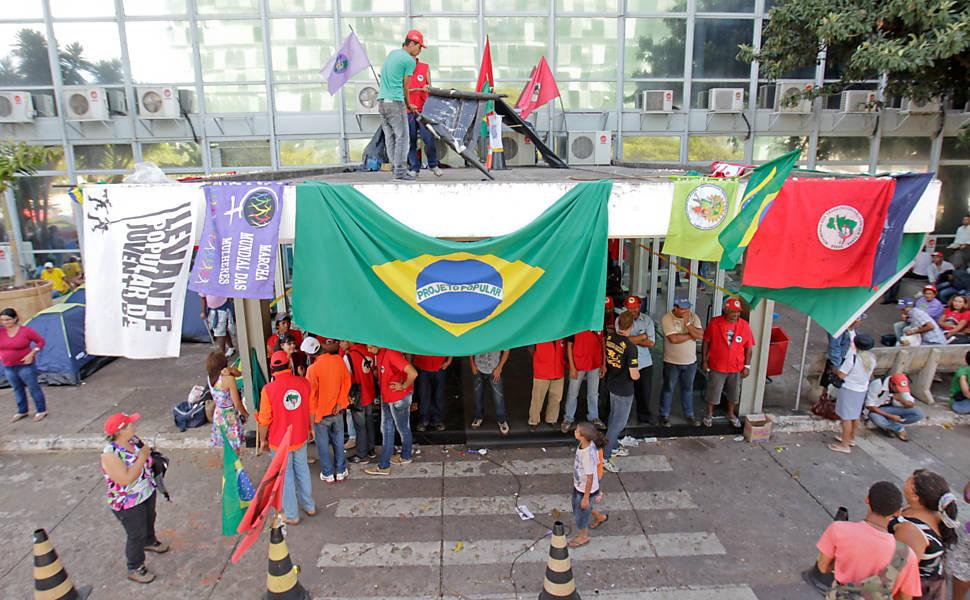 Protestos contra os leilões de petróleo