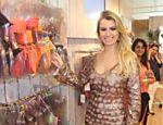 Fernanda vai ao salão Bossa Nova nas Lojas SMK e Planet Girls, no Rio