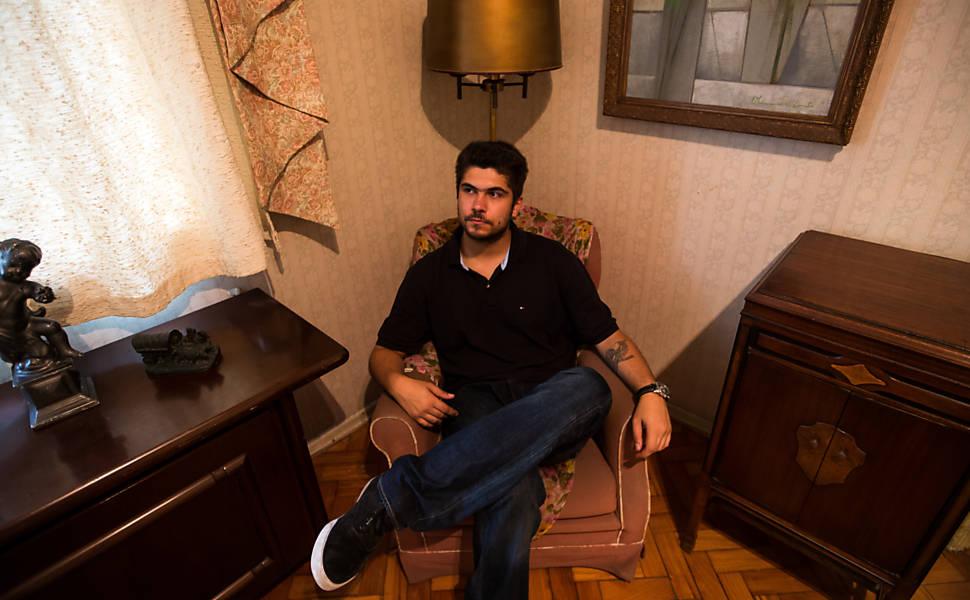 Filho de Renato Russo mostra a casa de seu pai