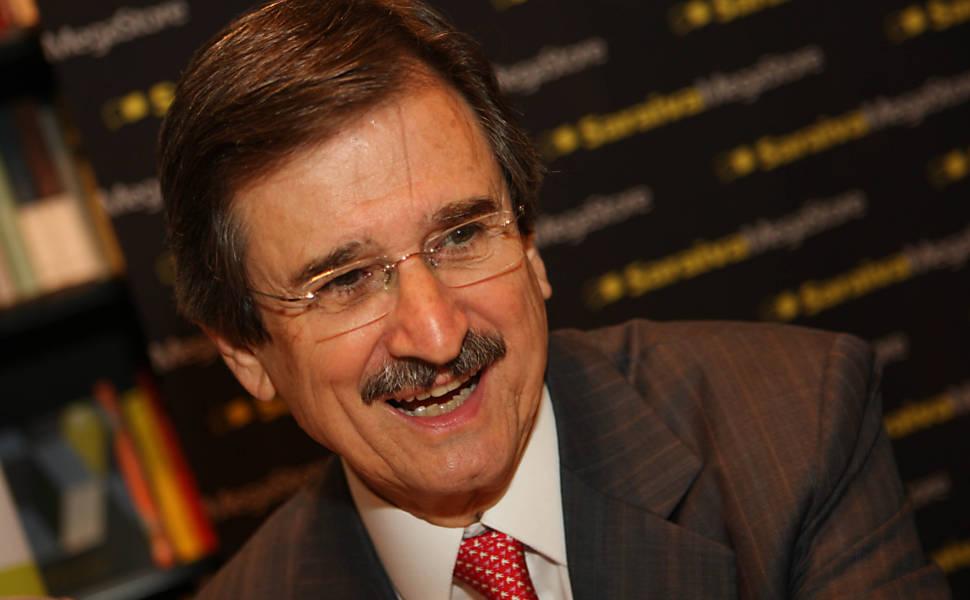 Ex-ministro do STF, Cezar Peluso lança livro em SP