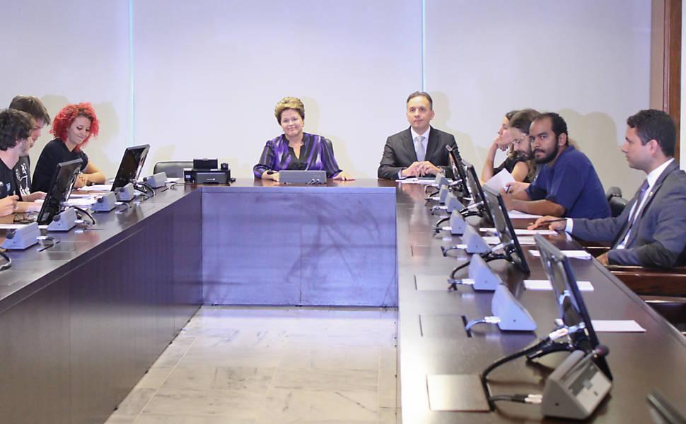 Dilma se reúne com MPL,  prefeitos e governadores