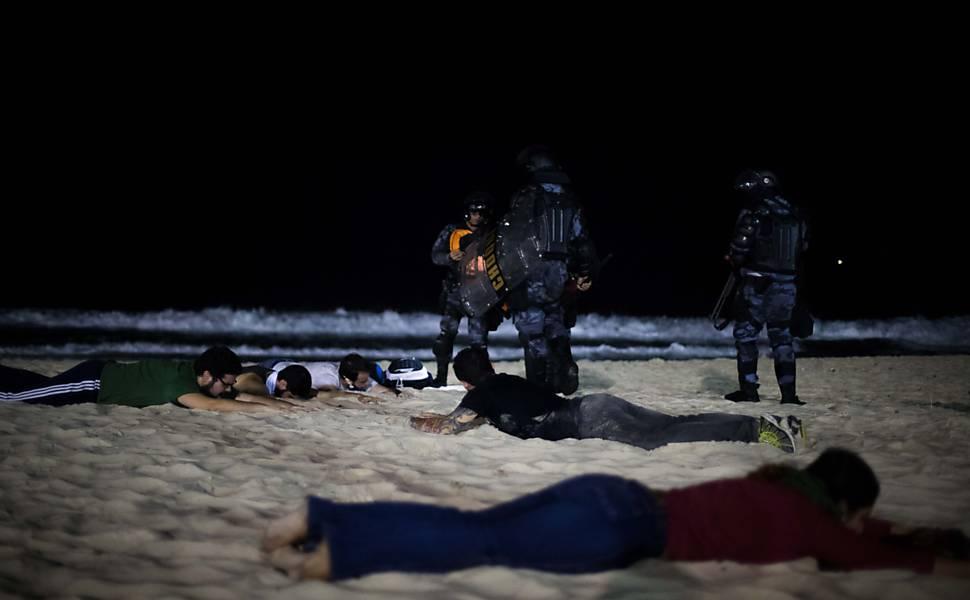 Protesto no Rio termina em confronto