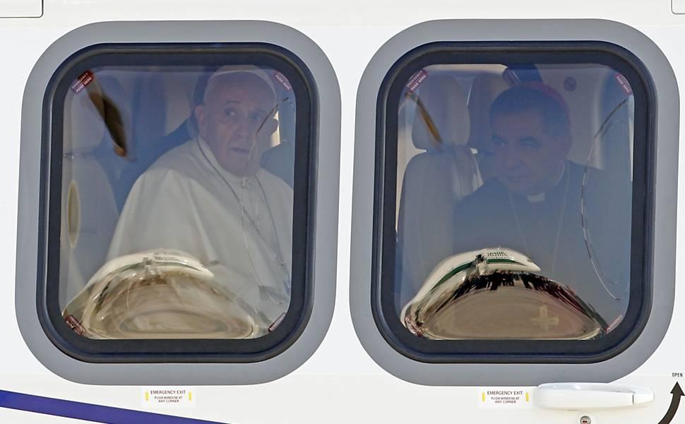 Papa Francisco embarca para o Brasil