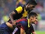 Neymar participa de amistoso do Barcelona contra a seleção da Malásia