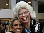 Rita Cadillac com a drag queen Salete Campari