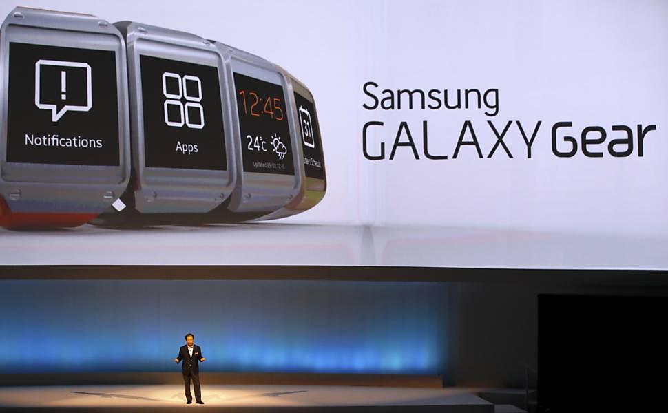 086a24686cb Relógio Samsung Galaxy Gear - 21 12 2018 - Tec - Fotografia - Folha de  S.Paulo