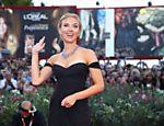 Scarlett Johansson chega para a première de
