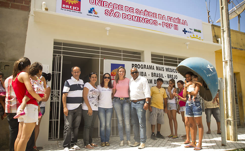 Médicos cubanos no interior de PE