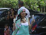 Anitta grava videoclipe na Prainha, no Rio
