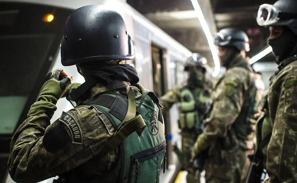 PM faz treinamento com polícia francesa
