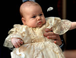 Príncipe George durante batizado no Palácio de St. James