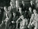 Hawking e sua turma do Boat Club de Oxford, num momento de descanso