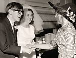 Hawking se casa com Jane Wilde, sua primeira mulher, em 1965