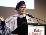 Alejandro Sanz agradece o título de doutor honoris causa da Universidade de Berklee