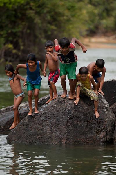 Quintais - Infância no Xingu