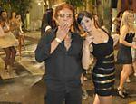 Reginaldo Rossi brinca com a bailarina durante gravação