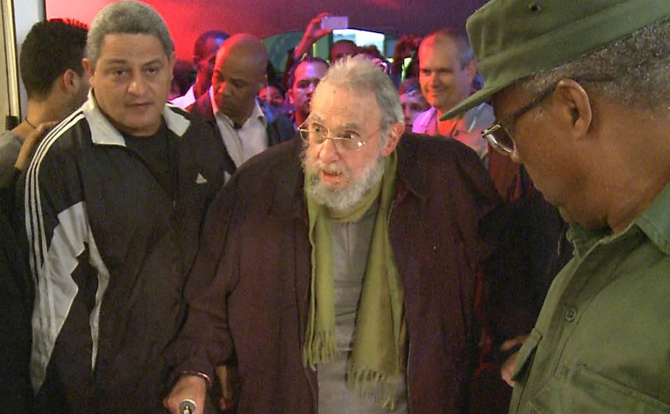 Fidel aparece em público