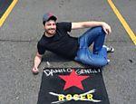 Danilo Gentili ganha vaga no estacionamento do SBT