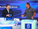 Silvio Santos recebe o ex-jogador Vampeta no