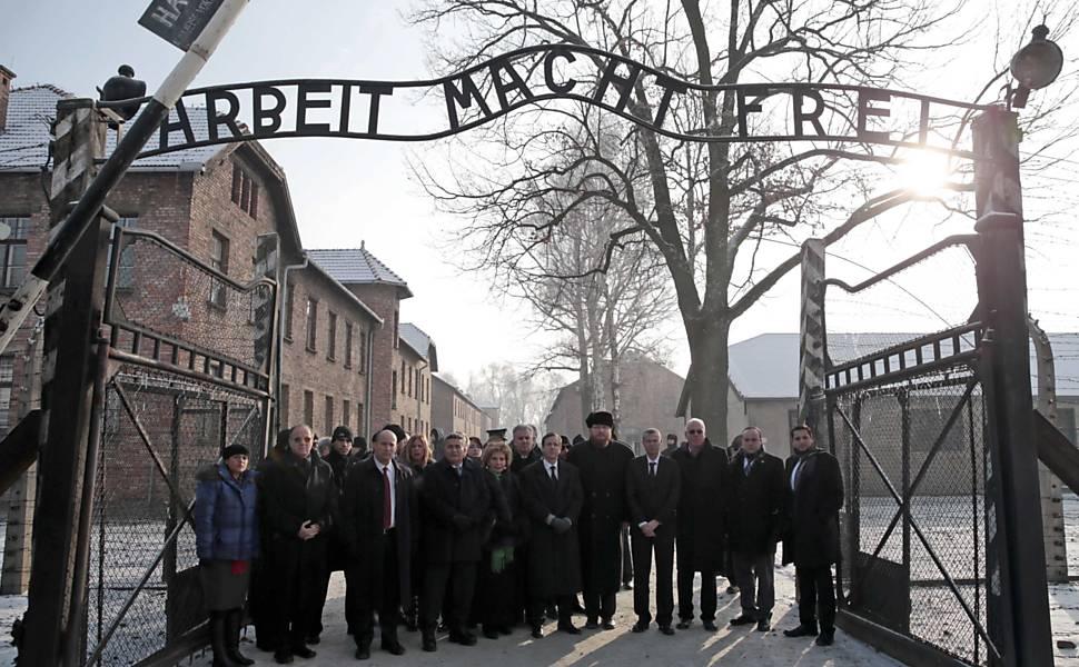 Homenagem aos sobreviventes do Holocausto