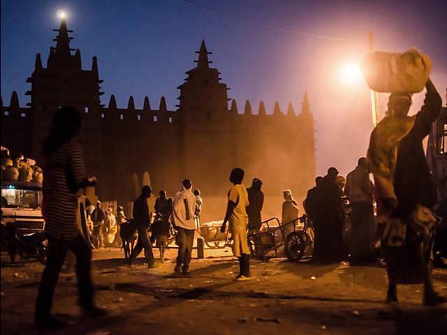 Turistas abandonam belas paisagens do Mali