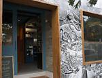 A fachada do bar Gibi é assinada por Roger Cruz, que já trabalhou para a Marvel